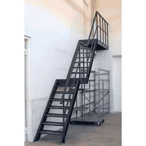 Маршевая металлическая лестница
