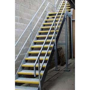 Уличные лестницы из металла