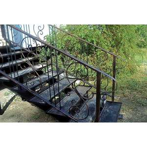 Красивые лестницы из металла
