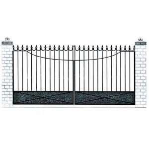 Распашные ворота во двор